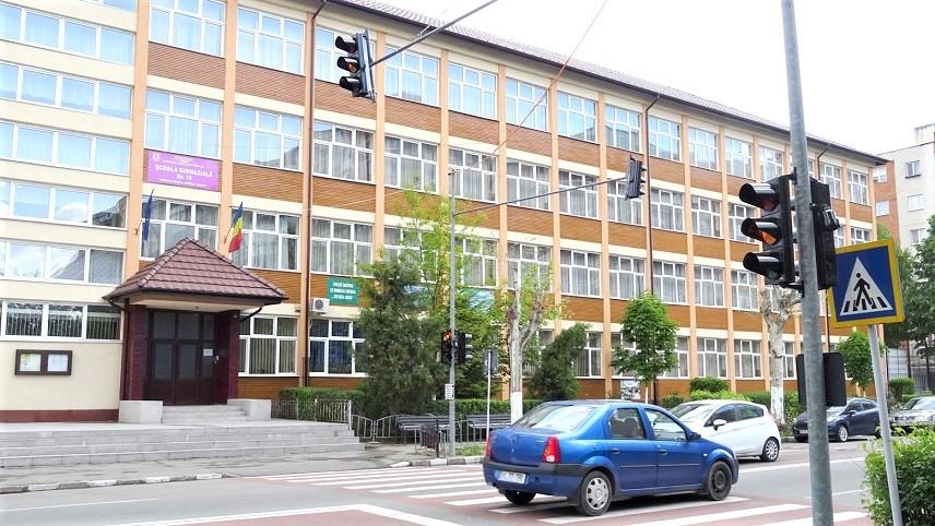 ISJ Vâlcea informează: Scenarii de funcționare actualizate pentru unitățile de învățământ preuniversitar