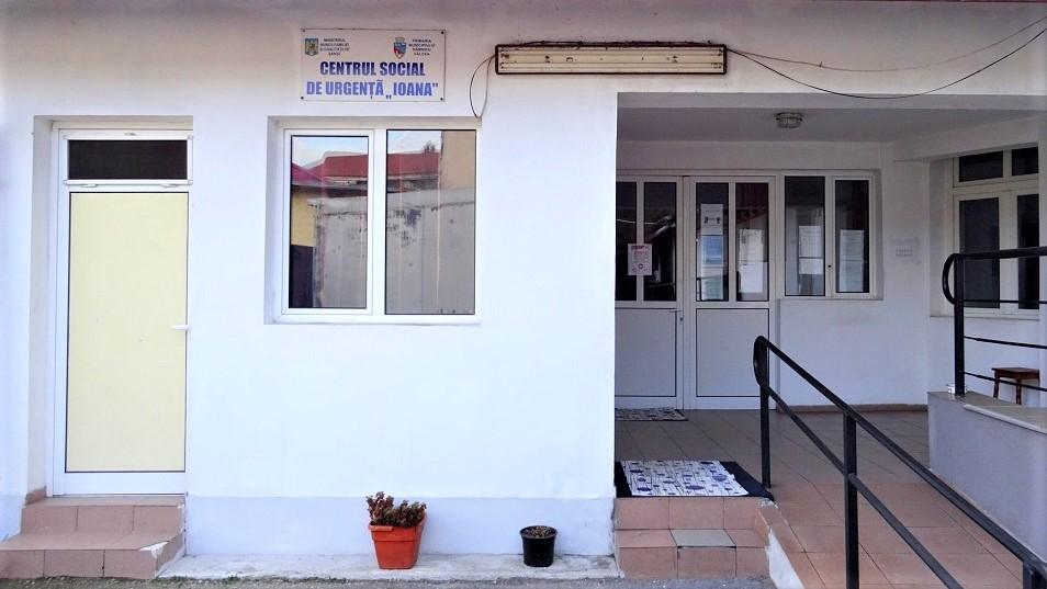 10 oameni ai străzii s-au adăpostit de gerurile iernii la Centrul Social de Urgenţă IOANA din Râmnicu Vâlcea