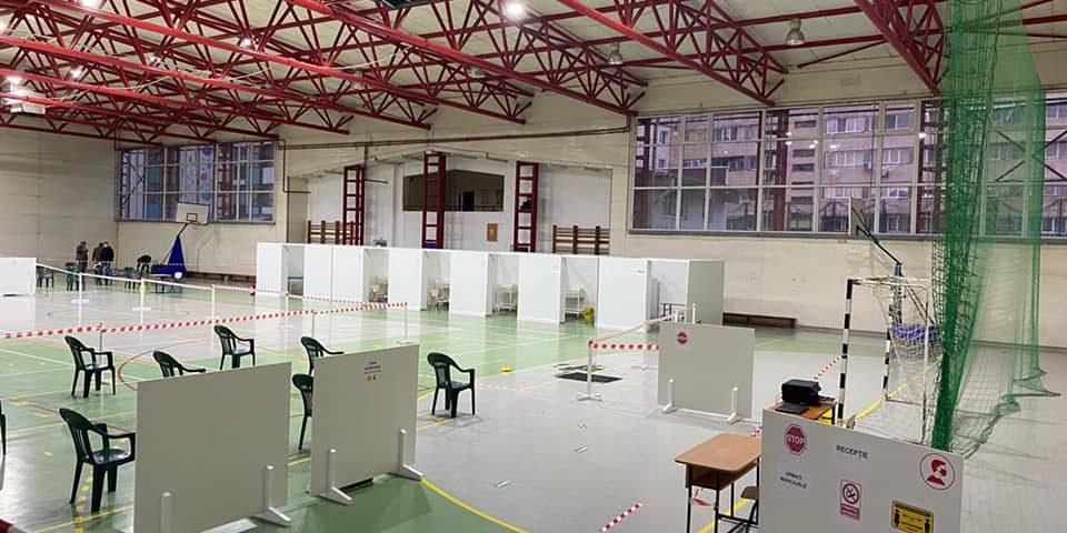 Primaria Ramnicu Valcea a finalizat amenajarea celor 5 centre de vaccinare anti COVID din municipiu
