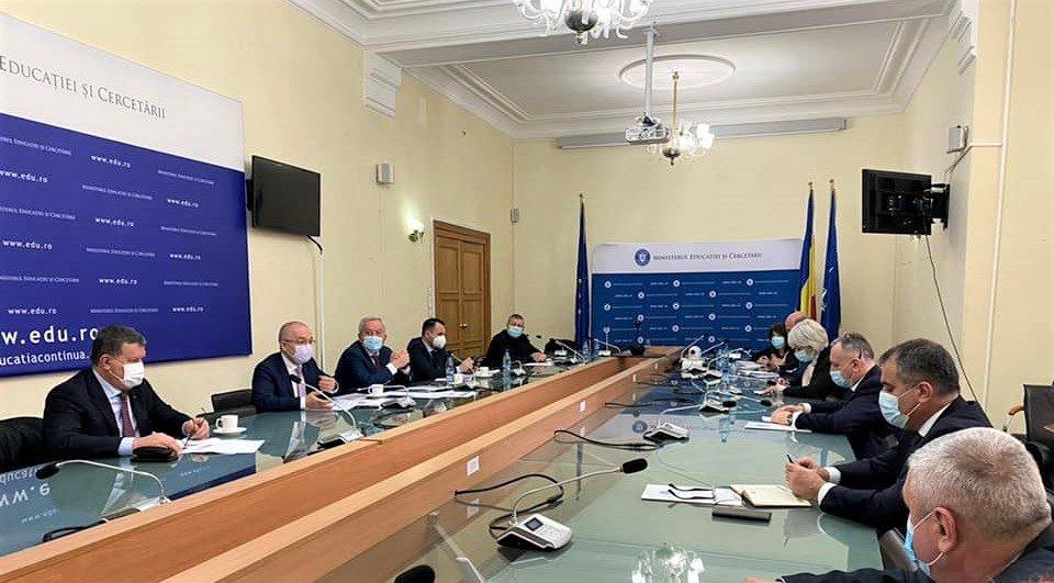Primarul Mircia Gutau s-a intalnit cu Ministrul Educatiei Sorin Cîmpeanu