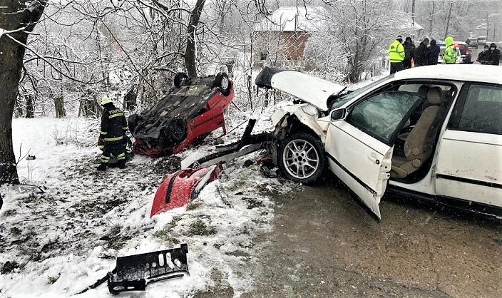 Accident rutier la Tomsani doua persoane au ajuns la spital