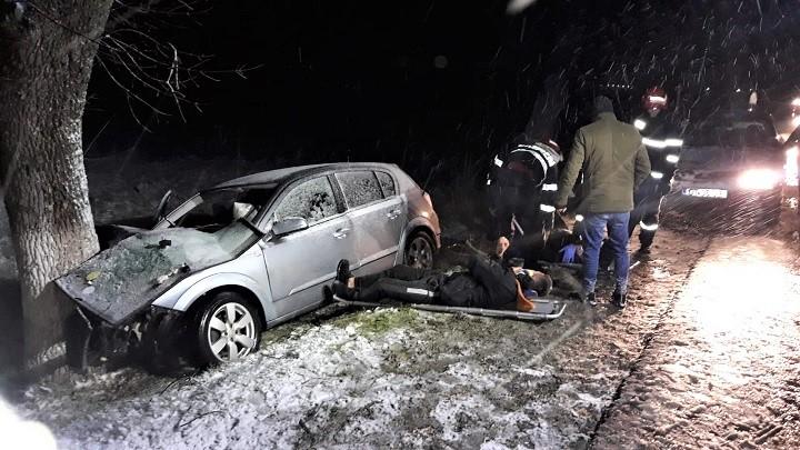 Pompierii valceni au intervenit la un accident rutier produs in Gradinari - judetul Olt
