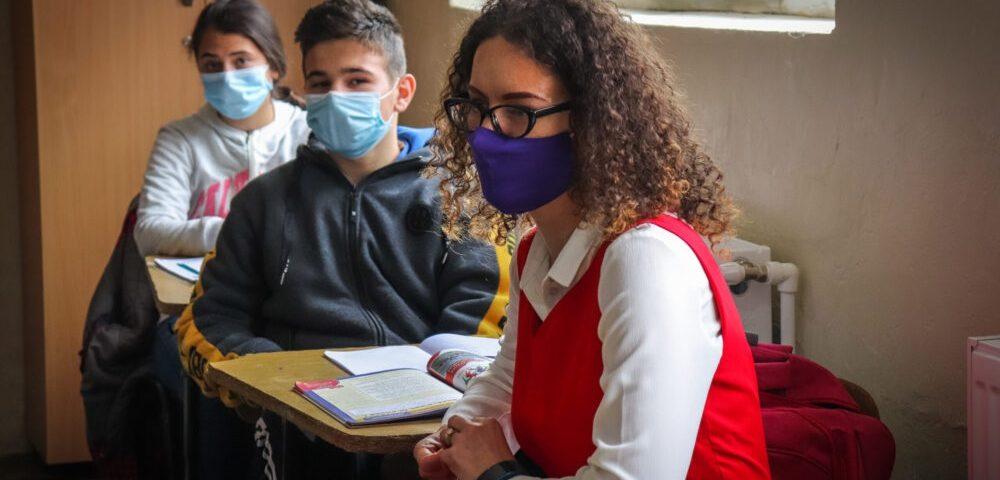 Teach for Romania declară ziua de 8 Martie ca Ziua fetelor care nu se lasă